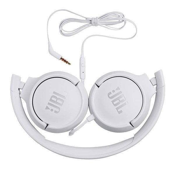אוזניות JBL Tune 500 עם מיקרופון מובנה וצליל נקי לבן